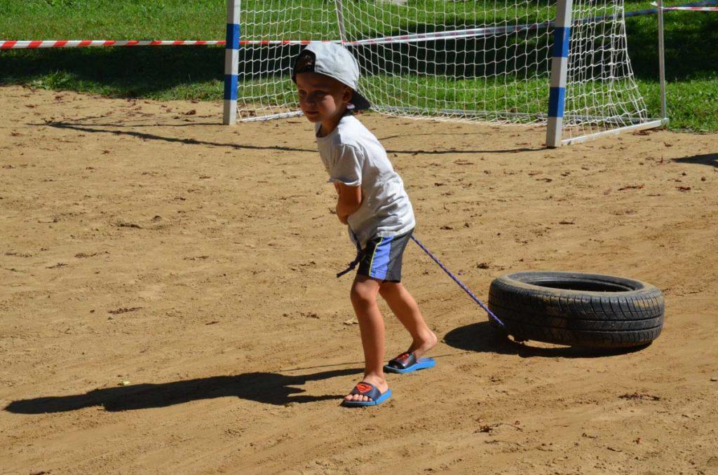 Deti a dospelí potrebujú športovať. My im ideme oproti pretekmi, ktoré z nich spravia hrdinov. 1
